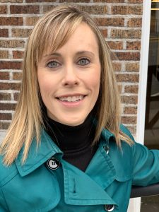 Angela Frazer, Asistente Administrativa, Departamento de Policía