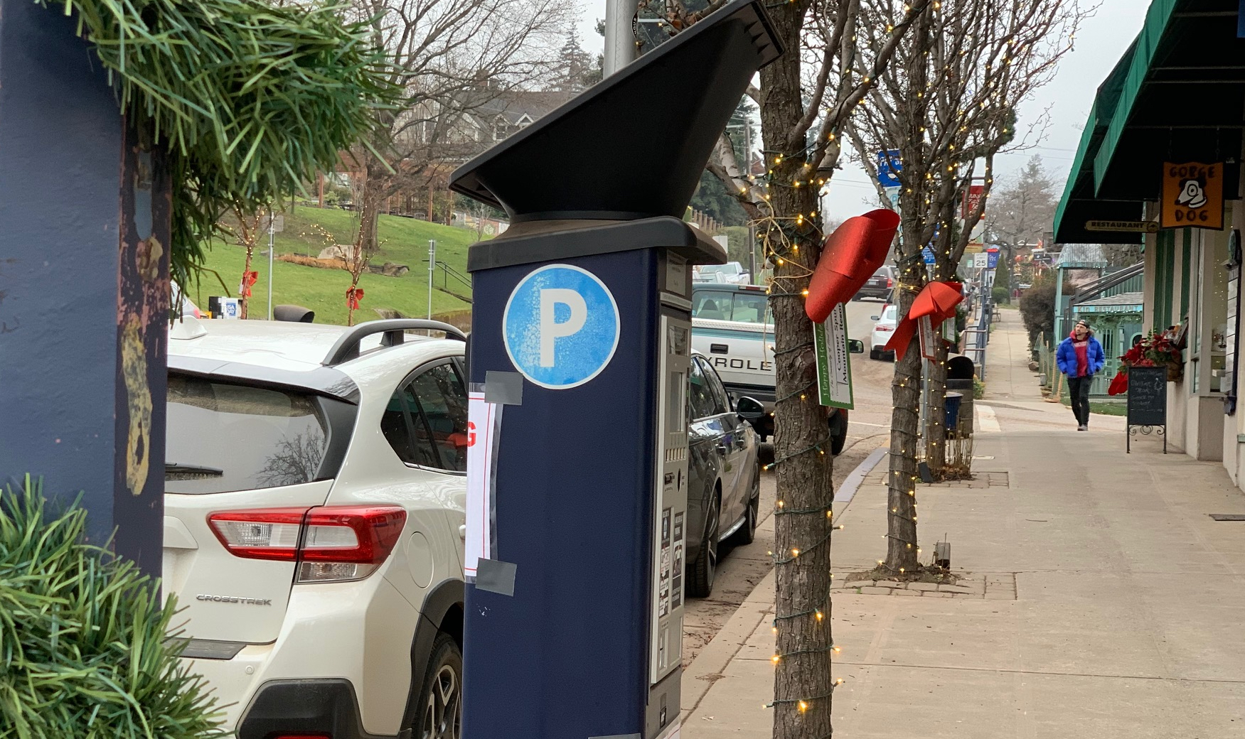 Free holiday downtown parking hours